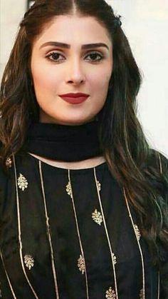 Pakistani Girl, Pakistani Actress, Stylish Dress Designs, Stylish Dresses, Muslim Beauty, Ayeza Khan, Exotic Women, Actress Pics, Beautiful Girl Image