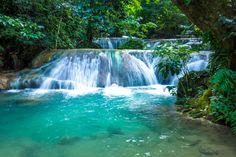 Located in Port Vila Vanuatu, Holiday Inn Resort Vanuatu is the best pacific island holiday destination. Vanuatu Port Vila, Travel Around The World, Around The Worlds, Family Friendly Holidays, Walking In Nature, Holiday Destinations, Beautiful World, Tourism, Things To Do