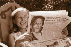 © BACHMANN-ERBEN  Ingeborg Bachmann liebte das Lesen: Diese italienische Zeitung amüsierte sie im Sommer 1970 World Literature, Newspaper Design, Beautiful Mind, Beautiful People, Mafia, Strong Women, Poems, Cinema, History