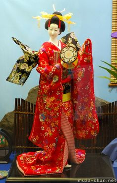 Top souvenirs from Japan - Japanese Dolls