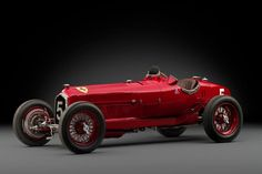 ALFA ROMEO TIPO B P3 Year 1934. One of the most influential race cars of the pre-war era. The P3 represented a shift in design emphasis for vintage Grand Prix cars, adopting the narrower 'slipper' body distribution of the second seat for ride-in mechanics to shave weight. The open-wheeled rider won the home win at Monza, followed by a series of lockouts on the podium at the French and German Grand Prix during the 1931 season. rare, should cost between 3,600,000 and 4,600,000 € !!
