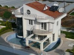 Beautiful Apartments for Sale in Nigeria - Design And Construction Services For Nigerians Living Abroad Building A Swimming Pool, Cool Swimming Pools, Luxury Apartments, Luxury Homes, 21st Century Homes, Home Inc, Unique Buildings, Classic Architecture, Vacation Home Rentals