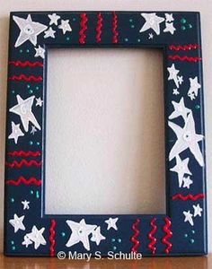 Decorating old frames is an easy and fun craft. This one was simply done with a little acrylic paint, including the 3D squirt paint.