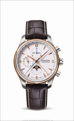 Der elegante Zeitmesser aus Sachsen bietet sämtliche Anzeigen des Vollkalenders und ein mechanisches Chronographenwerk mit bis zu 60 Stunden Gangreserve.