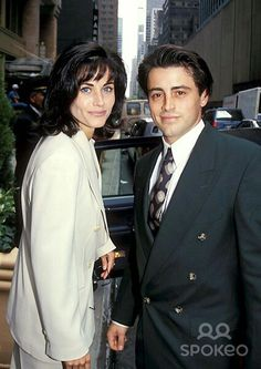 Imagem de friends, Courteney Cox, and Matt LeBlanc Friends Tv Show, Joey Friends, Serie Friends, Friends Cast, Friends Moments, I Love My Friends, Friends Forever, Ross Geller, Fotografia