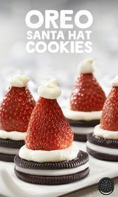 christmas cookies oreo Weihnachtspltzchen OREO Santa Hat Cookies Recipe An easy and fun activity for the kids - they will be hollering Ho! for more! Christmas Party Food, Xmas Food, Christmas Appetizers, Christmas Cooking, Holiday Desserts, Holiday Baking, Holiday Treats, Christmas Treats, Holiday Recipes