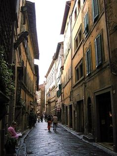 Cortona - Wikipedia, the free encyclopedia