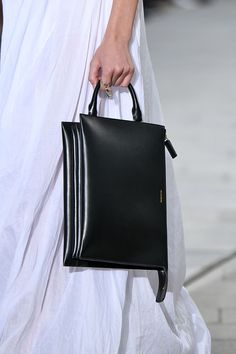 Milan Fashion Week Best Bags - The Best Bags from Prada, Gucci, and more. Source by nasrinmana Bags designer Gucci Crossbody Bag, Gucci Clutch, Gucci Bags, Purses And Handbags, Leather Handbags, Prada, Fashion Bags, Milan Fashion, India Fashion