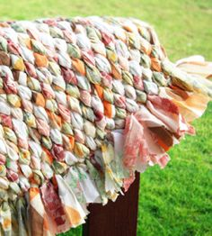With just some old sheets, some cardboard and a tapestry needle, you can make this fun DIY rag rug! countrywomanmagazine.com