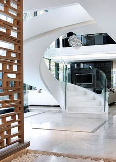 Modern Mansion With Perfect Interiors by SAOTA - Architecture Beast Luxury Staircase, Staircase Design, Stair Design, Luxury Modern Homes, Modern Mansion, Modern Stairs, Exterior Design, Interior And Exterior, Interior Stairs