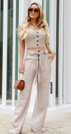55 Wide Leg Pants For Your Perfect Look This Summer - Fashion Trends - Classy Outfits, Pretty Outfits, Stylish Outfits, Modest Fashion, Fashion Dresses, Style Fashion, Elegant Outfit, Latest Fashion Trends, Trending Fashion