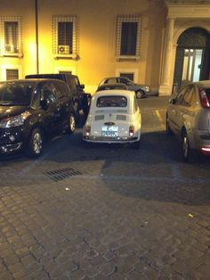 This shows just how tiny the Cinquecento is!