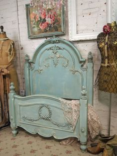 turquoise distressed headboard/footboard - shabby chic ---in love!