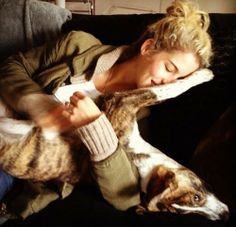 Emily Bett Rickards and Ophie