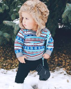 F R I D A Y ❤ V I B E S All about that look, that stance and that GQ style. This cutie is on point 👌 #modelinthemaking #gqstyle #fridayvibes