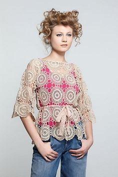 Half sleeved Crochet top in beige Crochet Shirt, Crochet Motif, Crochet Designs, Crochet Lace, Crochet Patterns, Crochet Tops, Crochet Woman, Crochet Crafts, Crochet Clothes