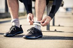 Meet Sensoria Smart Socks Fitness Tracker - device for amateur runners that can detect parameters important to your running form. Fitness Tracker, Fitness Tips, Health Fitness, Fitness Gear, Fitness Gadgets, Tech Gadgets, Fitbit Models, Smart Socks, Running Form
