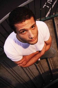 UK songwriter Cosmo Jarvis - an artist for whom one word will never really be enough International Companies, Kinds Of Music, New Music, Cosmos, Crushes, Writer, Singer, People, Death