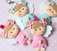 anjos em feltro - Pesquisa Google Felt Christmas Ornaments, Angel Ornaments, Christmas Crafts, Felt Angel, Felt Gifts, Tiny Dolls, Felt Toys, Felt Art, Fabric Dolls