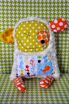 So ugly its cute...i bet wouldn't be TOO hard to make with scrap material!