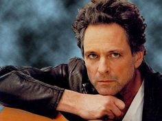 lindsey buckingham (fleetwood mac) My big crush.Look at that face. and can that dude play guitar. Fleetwood Mac Lindsey Buckingham, Stevie Nicks Lindsey Buckingham, Buckingham Nicks, Music Pics, Music Love, Members Of Fleetwood Mac, Best Guitar Players, Stevie Nicks Fleetwood Mac, Her Smile