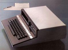 Atari 1450 XLD, 1983. Toujours le même que le 800 XL mais avec deux lecteurs de floppy discs. Jamais commercialisé.
