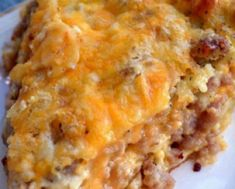 Monterey Sausage Pie makes a great brunch, breakfast or even a light dinner! minced garlic 2 cups Monterey Jack Cheese shredded, divided 1 cups milk 3 whole eggs cup biscuit/baking mix tsp. black pepper In a la Breakfast And Brunch, Breakfast Dishes, Breakfast Casserole, Breakfast Recipes, Perfect Breakfast, Recipes With Breakfast Sausage, Overnight Breakfast, Breakfast Sandwiches, Quiches