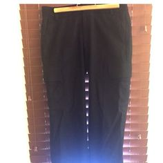 Banana republic black lined capris, size 2 Excellent used condition. These are lined so work great for cooler weather. Only selling because I purchased on posh and they are too large for me. Otherwise, really nice pair of capris. Banana Republic Pants Ankle & Cropped