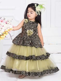 Shop Light green designer net gown online from India. Baby Frocks Party Wear, Kids Party Wear Dresses, Baby Girl Frocks, Kids Dress Wear, Baby Girl Party Dresses, Kids Gown, Dresses Kids Girl, Baby Girl Gowns, Baby Gown