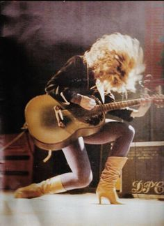 Music Heart, Music Love, Music Is Life, Own Wilson, Nancy Wilson Heart, Wilson Sisters, Women Of Rock, Guitar Girl, Female Guitarist