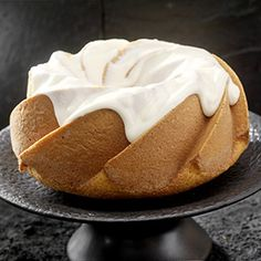 Pumpkin Rosemary Chiffon Cake, a recipe from the ATCO Blue Flame Kitchen. Dessert Games, Canadian Thanksgiving, Chiffon Cake, Cake With Cream Cheese, Vegetarian Cheese, Serving Plates, Recipe Box, Peanut Butter, Good Food