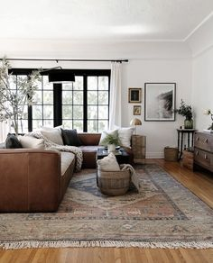 Rugs In Living Room, Home And Living, Living Room Designs, Living Room Decor, Small Living Rooms, Living Room Inspiration, Home Decor Inspiration, My New Room, Home Interior Design