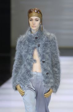 Giorgio Armani at Milan Fashion Week Fall 2002 - Runway Photos
