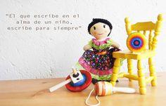 Son juguetes artesanales producidos en Paracho, Cherán y Quiroga, comunidades del estado de Michoacán. Sapichu hace referencia a niño o joven en lengua purépecha. De este concepto nace la idea de r…