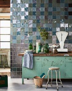 metallic tegels | metallic tiles | vtwonen 01-2017 | Fotografie Jeroen van der Spek | Styling Cleo Scheulderman | Productie Inge Steketee