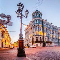 Непривычный московский ракурс. Как будто что-то средневековое в этом фото