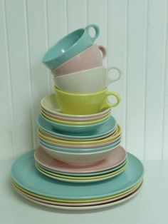NICE MATCHING Melmac SET Vintage Windsor Melamine 24 Piece Set, Plates, Bowls, Cups, Saucers, Pastel Colors Blue, White, Yellow, Pink $65