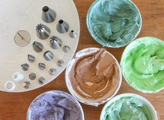 Tinted buttercreams and piping tips | Erin Gardner | Craftsy