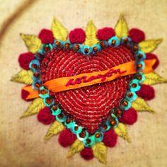 Corazón bordado