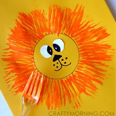 Make a lion craft with your kids using a fork and paint! Cute for a zoo activity… Make a lion craft with your kids using a fork and paint! Cute for a zoo activity. Kids Crafts, Daycare Crafts, Classroom Crafts, Summer Crafts, Preschool Activities, Craft Kids, Preschool Jungle, Preschool Circus, Jungle Activities