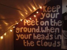 teenage hipster bedroom-quotes on the walls