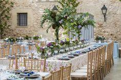 Lugares con encanto para casarse Wedding Centerpieces, Wedding Inspiration, Table Decorations, Bridal, Party, Henry Cavill, Furniture, Weddings, Home Decor