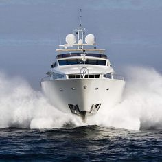 You can feel the power of the Numarine Mega Yacht Caramel 102 RPH! by yachts_and_diving
