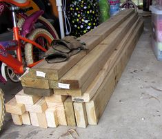 Build Your Own Deck with Bench Seats - Part 1 Building A Floating Deck, Building A Deck, Cool Deck, Diy Deck, Gate Design, Deck Design, Deck Ideas For Campers, Laying Decking, Backyard Sheds