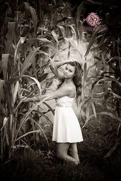College Station   Bryan Texas Senior Portrait Photography, High School Senior, girl in corn field, Texas Senior Photographer, Stefanie Russell Photography, Senior pictures