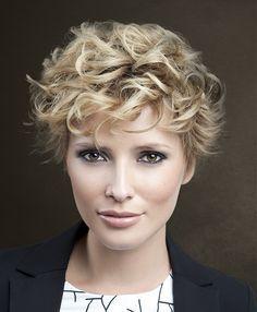 Sanke Short Blonde Hairstyles