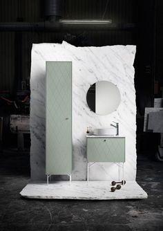 Keşke bizde de böyle güzel tasarımlar olsa, banyolarımızı tasarlarsak bu güzelliklerden faydalanabilsek. Genel olarak banyo kategorisinde tasarlanan mobilyalar tek renk, kapalı ve hantal yapıdadır. Birazdan göreceğiniz hiçbir banyo mobilyasında bunu görmeyeceksiniz çünkü hem nazik, hem kullanışlı hem de banyonuzu daha geniş gösterecek mobilyalar. Aynalar ve farklı ünitelerle tasarlanmış bu güzel banyolara aşık olmamak elde değil. 1 2 3 4 5 6 7 8 9 10 11 12 13 14 15