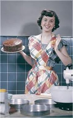 housewife with cake.I like her plaid apron 1950s Housewife, Vintage Housewife, Housewife Humor, Breast Cancer Survivor, Breast Cancer Awareness, Thyroid Cancer, Aprons Vintage, Vintage Wife, Vintage Ads