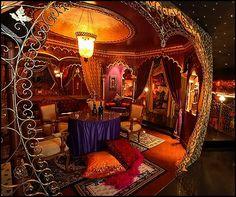 Moulin Rouge Boudoir