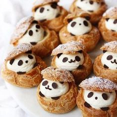 Creative pastry desserts, can give a fresh feeling to the plain life, good-looking and delicious, everyone likes it! - zzzzllee Creative pastry desserts, can give a fresh feeling to. Cute Desserts, Dessert Recipes, Delicious Desserts, Fruit Dessert, Cake Recipes, Cute Food, Yummy Food, Cream Puff Recipe, Cute Baking